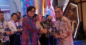 WTP Lima Kali Berturut-Turut, Banyuasin Diganjar Plakat Penghargaan Dari Menteri Keuangan RI