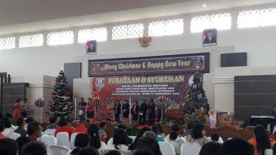Umat Kristiani Rayakan Natal Bersama, Bupati Askolani Ajak Pelihara Toleransi