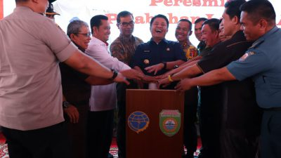 Gubernur-Bupati Banyuasin Resmikan Pelabuhan Peti Kemas TAA.