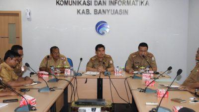 Wujudkan Banyuasin Terbuka, Diskominfo Pasang Infrastruktur Kecamatan