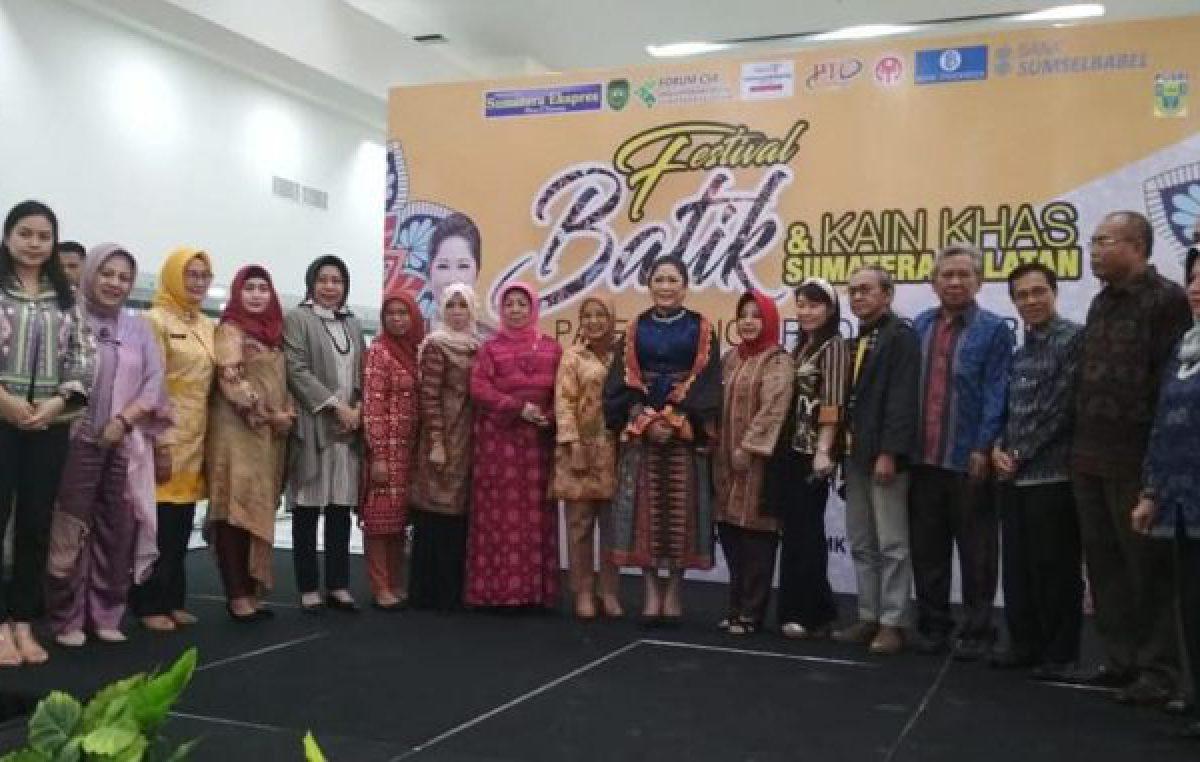 Festival Batik dan Kain Khas Sumatera Selatan