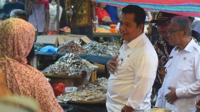 Bupati Askolani Blusukan ke Pasar Sukomoro Cek Kenaikan Harga Jelang Bulan Ramadhan dan Isu Virus Corona
