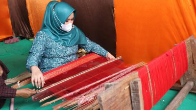 Ketua TP PKK Kabupaten Banyuasin: Songket Banyuasin Harus Mampu Menebus Pasar Nasional.